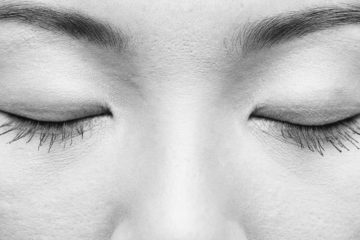Devo Sempre tenere gli Occhi Chiusi quando Medito ?