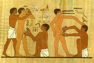 Affresco rappresentante una circoncisione, in una tomba di Saqqara, vicino a Menfi, Egitto