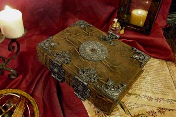 Il Grand Grimoire con la Grande Clavicola di Salomone