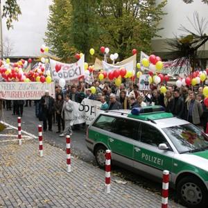 codex2004protest02