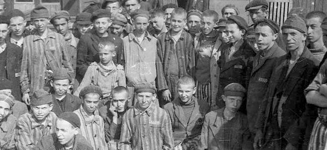 survivors-april-1945