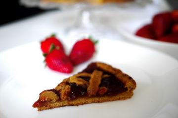 Crostata con Marmellata di Fragole (senza uova, senza burro)