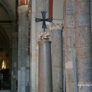 14-colonna-con-croce-img_5392