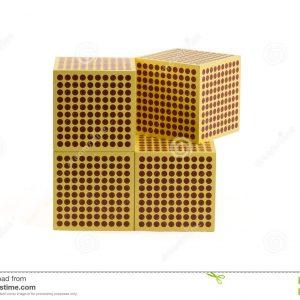 perle-dorate-di-montessori-cubo-51794832