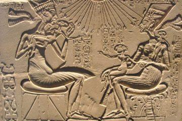 Il Senso Sacro dei Geroglifici e l'Inno ad Aton di Amenofi IV
