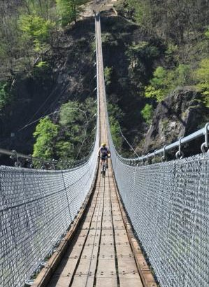ponte tibetano valle