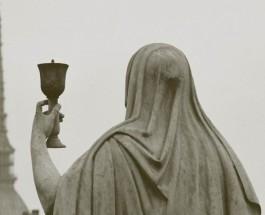 La Coppa: il Simbolo e i suoi Molteplici Significati